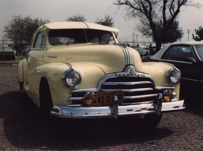 fabulous 40s Sale 1942 Pontiac Streamliner 47 2807 47411 bytes